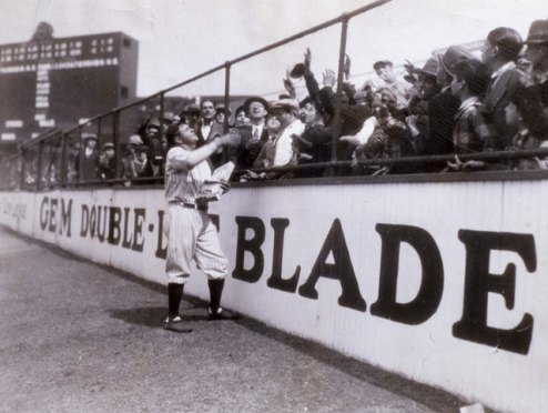 gty_babe_ruth_8_fans_kb_130710_blog